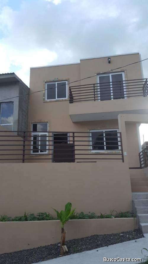 En venta casa recién construida.