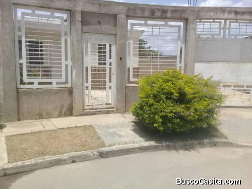 En venta casa en urb La Ciudadela