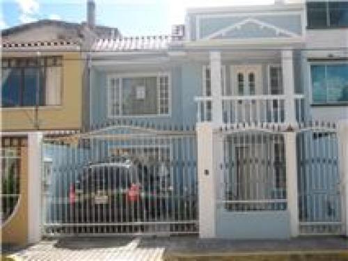 VENDO CASA EN EL vALLE DE LOS CHILLOS SECTOR CONOCOTO