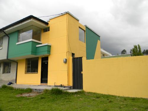 Linda Casa en Alangasi