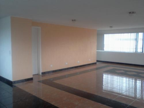 Ponciano Alto $ 520 area 240 m2