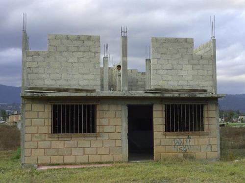 CASA DE 32.000, EN OTAVALO