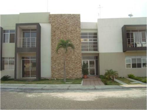 Departamento Urb Vicrieel (frente a Urb Sta Maria de Casa Grande), 3 dormitorios, Estreno