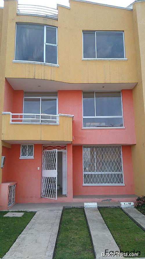 Casa Quito, sector Occidental, sector Mena del Hierro,conjunto El Conde $99.000 2353232,0997592747