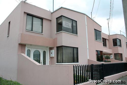 Casa Dos Hemisferios,esquinera, remodelada, 2 pisos $99.900 2353232.0997592747,0958838194