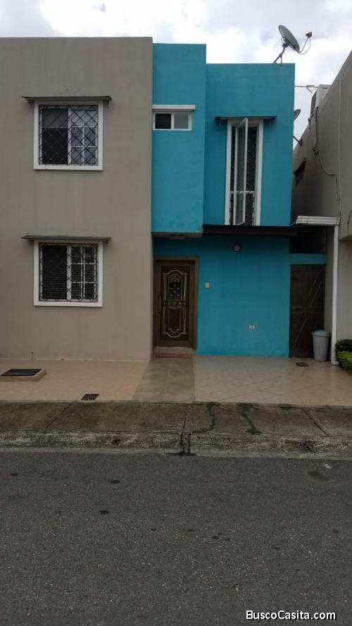 Vendo casa en Urb Martina Durán