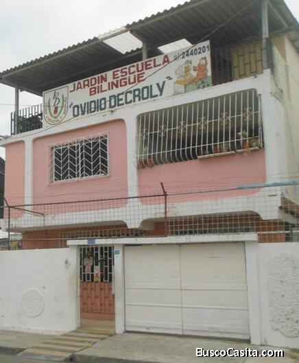 Barrio del Seguro vendo edificio rentero 3 plantas con multiples areas para uso comercial y de vivie