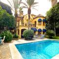 Chalet con 6 dormitorios en el centro de Marbella / Milla de Oro