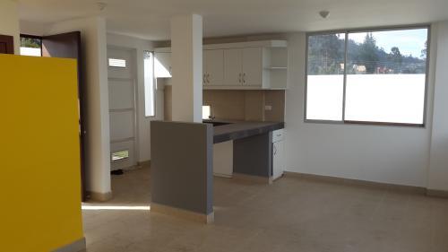 Casa 2 pisos Nueva para estrenar con proyecci�n a 3 pisos, Monserrat Conocoto Alto a 4min del camino antiguo