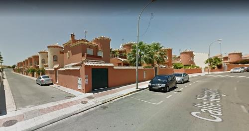 Chalet 3 dormitorios playa flamenca orihuela