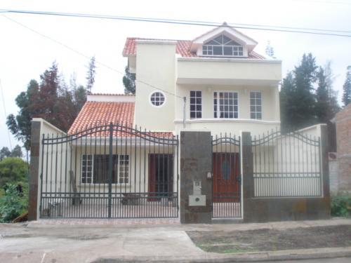 CASA DE VENTA CDLA. LOS MEDICOS VISITE:casasencuencaecuador