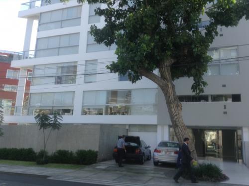Alquiler de Espectacular Departamento en Av. El Rosario - San Isidro