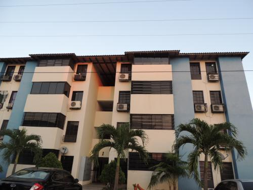 SKY GROUP Vende Bello Apartamento en Intercomunal Maracay Turmero San Joaquín