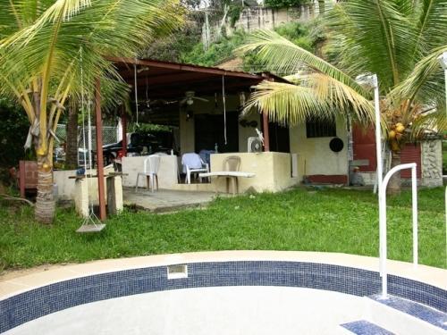 Casa de playa, Urb. Buche, Carenero. Higuerote, Edo. Miranda, Venezuela