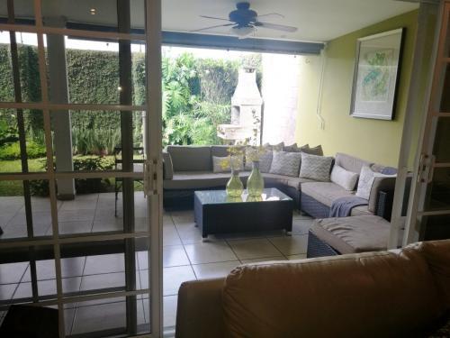 Se vende Linda casa en Via del Mar, Nuevo Cuscatlan, La Libertad