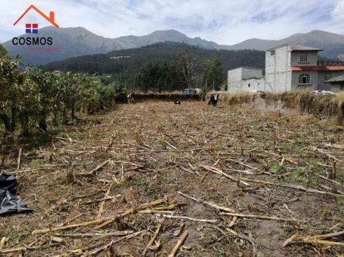 Vendo terreno con casa vieja en Otavalo sector San Pablo del Lago