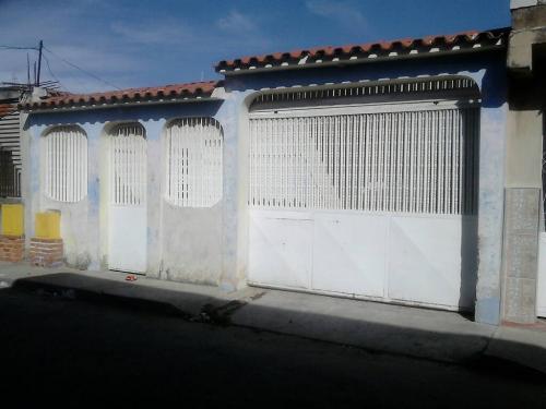 Excelente Casa 114 mt2 en  Antonieta de Celli,  Municipio Los Guayos