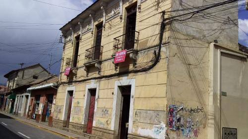 ATENCIÓN INVERSIONISTAS HERMOSO TERRENO A 3 CUADRAS DE LA PLAZA PRINCIPAL-COCHABAMBA.