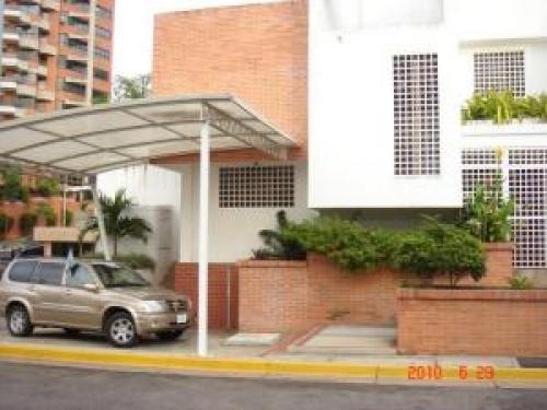 Townhouse en Venta Guataparo Edo Carabobo c�d. 10-5575