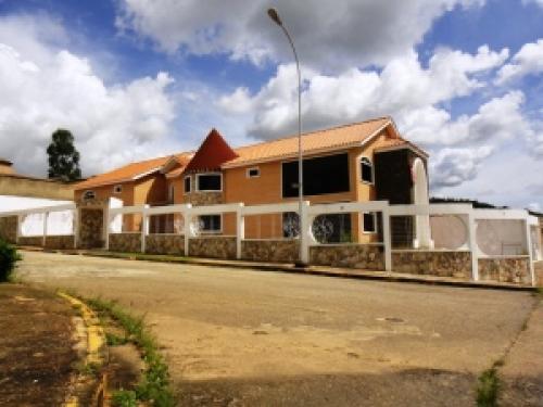 Casa en en Venta Guataparo Edo Carabobo c�d. 11-5735