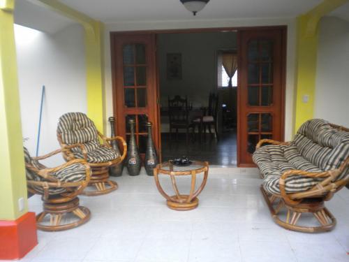 VENDO HERMOSA CASA ubicada en el Residencial Bello Horizonte en Managua