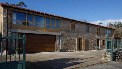 Impresionante vivienda en un entorno rural privilegiado, a 20 min de Santiago de Compostela