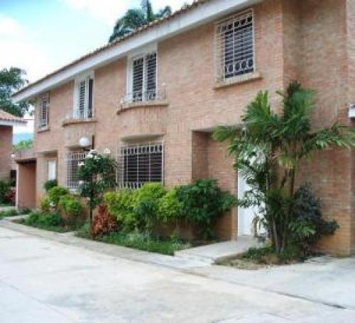 Townhouse en Venta en Guataparo Edo Carabobo c�d. 11-5883