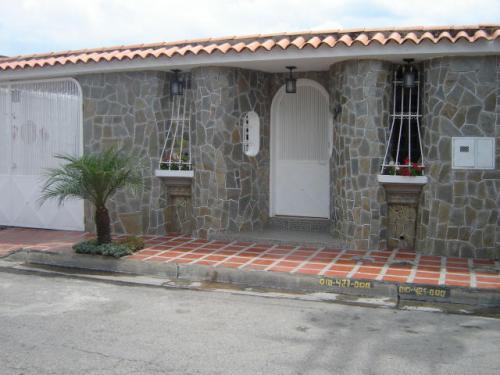 Vendo linda casa urb los overos 11 5635 casas de for Casas con tablillas