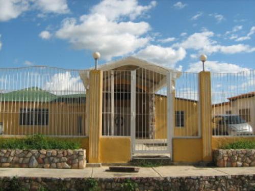 Casa en Venta San Diego Edo Carabobo Cod. 11-6423