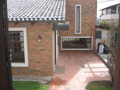 Linda casa de venta en el pinar bajo casas de venta en - Casas en quito ecuador ...