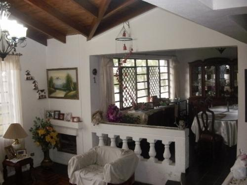 VENDO CASA INDEPENDIENTE EN SAN ANTONIO DE PICHINCHA
