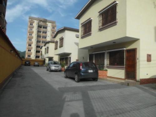 Casa en Venta Agua Blanca Edo Carabobo 12-4303