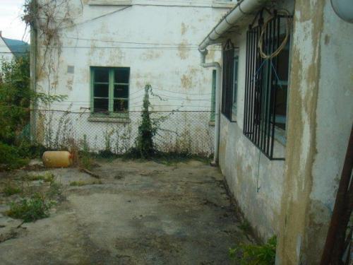 se vende casa para rehabilitar en prahua precio negociable