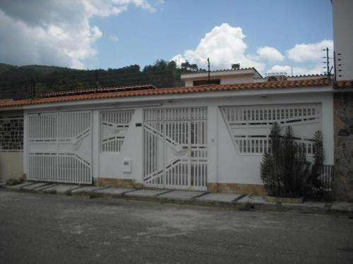 Casa en Venta Naguanagua Carabobo El Cafetal lha 13-3664