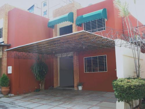 Vendo TH en Trigal Norte 174 M2 con clima de monta�a