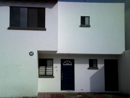Punta juriquilla casas en renta casas en alquiler en for Casas modernas juriquilla