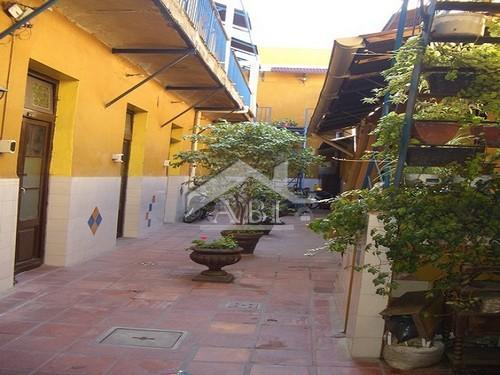 PARA RENTISTAS: Muy rentable HOSPEDAJE en las inmediaciones del Puerto - CA ES 005