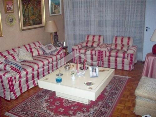 POCITOS: Apartamento de estilo a dos cuadras de la Rambla - AP 248