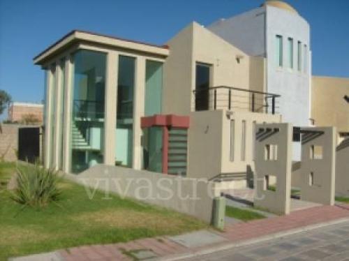 Vendo casa al norte minimalista casas de venta en jes s for Casa minimalista aguascalientes