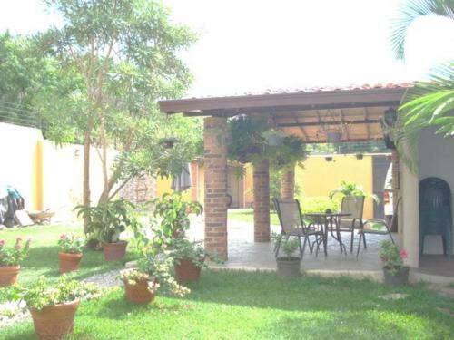 ESPECTACULAR TOWN HOUSE EN LA CUMACA 600 M2 CONST. CLIMA DE MONTA�A