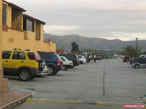 Vendo Espectacular Town Hause en Altos de la Esmeralda