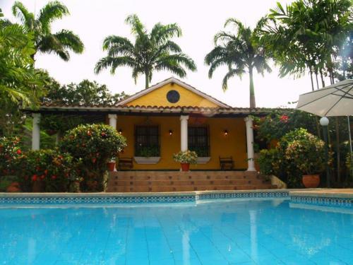 Venta de Hermosa Casa en Safari Contry Club Código 13-559
