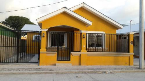 Se vende casa residencial vista de satuye casas de venta for Fachadas de casas modernas en honduras