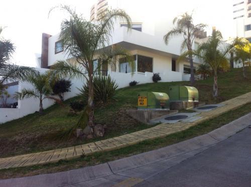 Casa en venta en lomas de gran jardin casas de venta en for Casas en venta en gran jardin leon gto