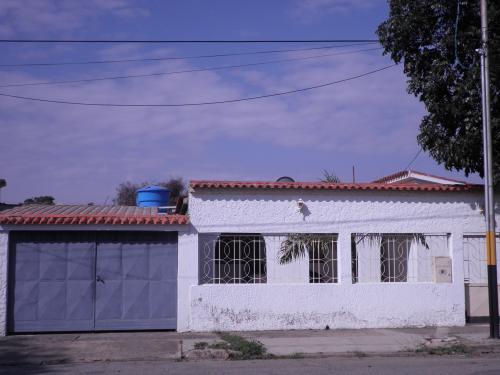 Hermosa y cómoda casa en vemta