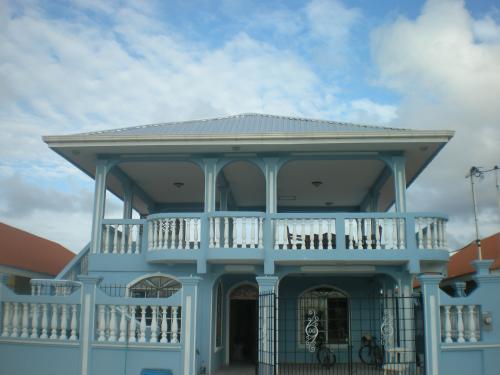 Ganga en tela ( precio negociable)! Casa en residencial Porto Bello