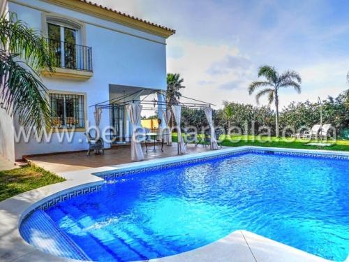 Chalet con 4 dormitorios en Marbella