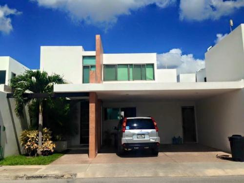 En VENTA excelente casa privada en Altabrisa