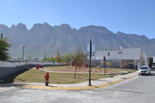 HERMOSA, SEGURA Y TRANQUILA CASA
