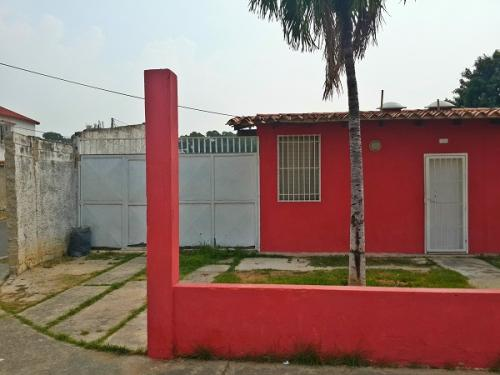En Venta CASA EN TURUMO- GUACARA